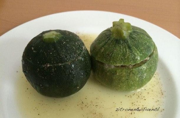 Zucchini mit Ei-Zitronen-Sauce Kolokithakia Avgolemono