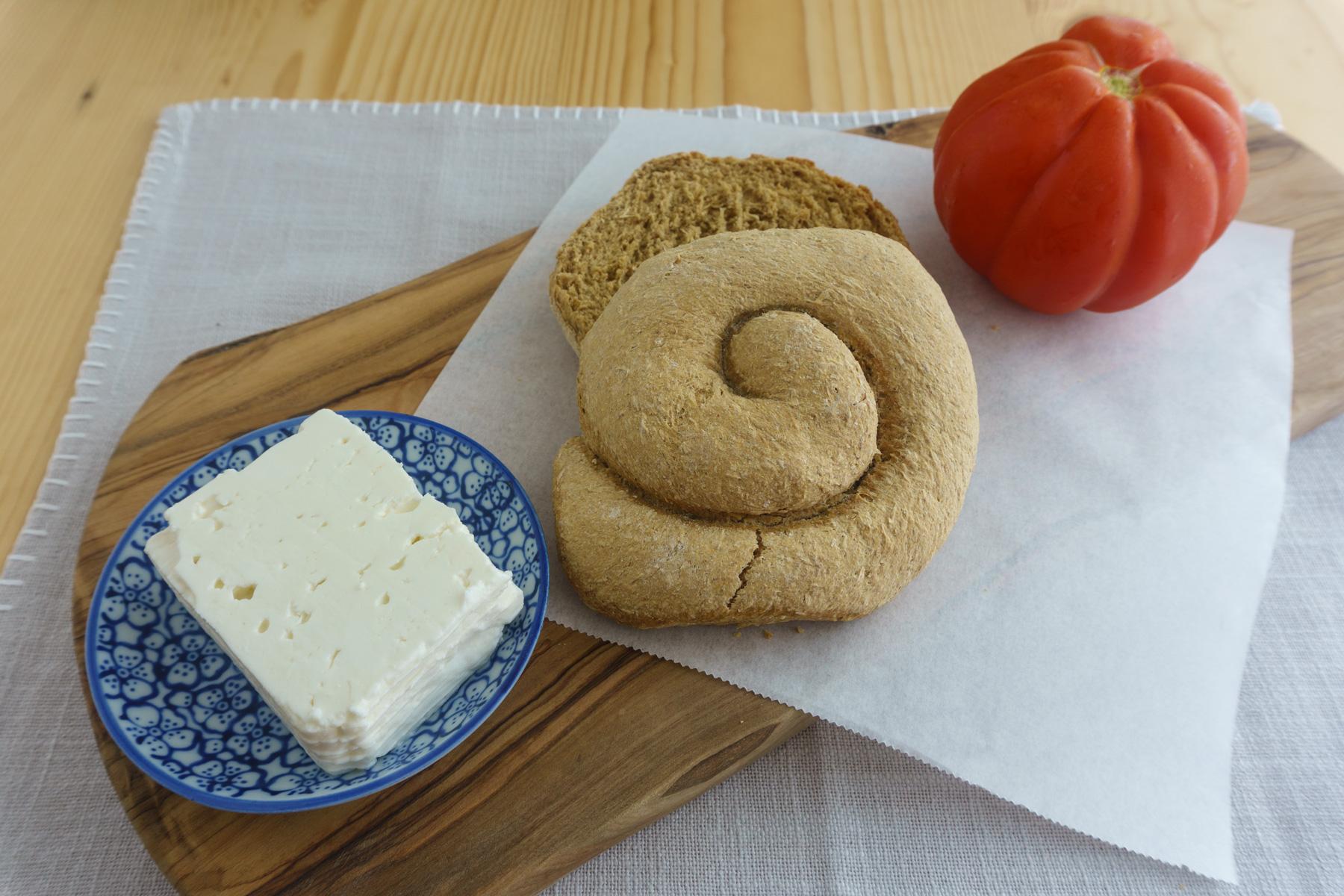 Zutaten Dakos, Paximadi, Tomate, Feta